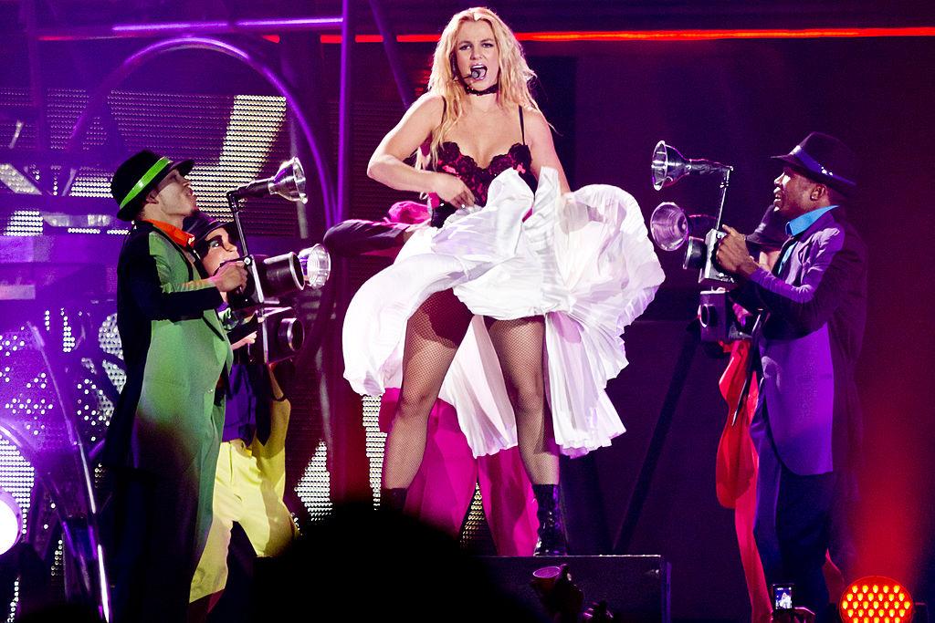 Бритни Спирс во время тура Femme Fatale