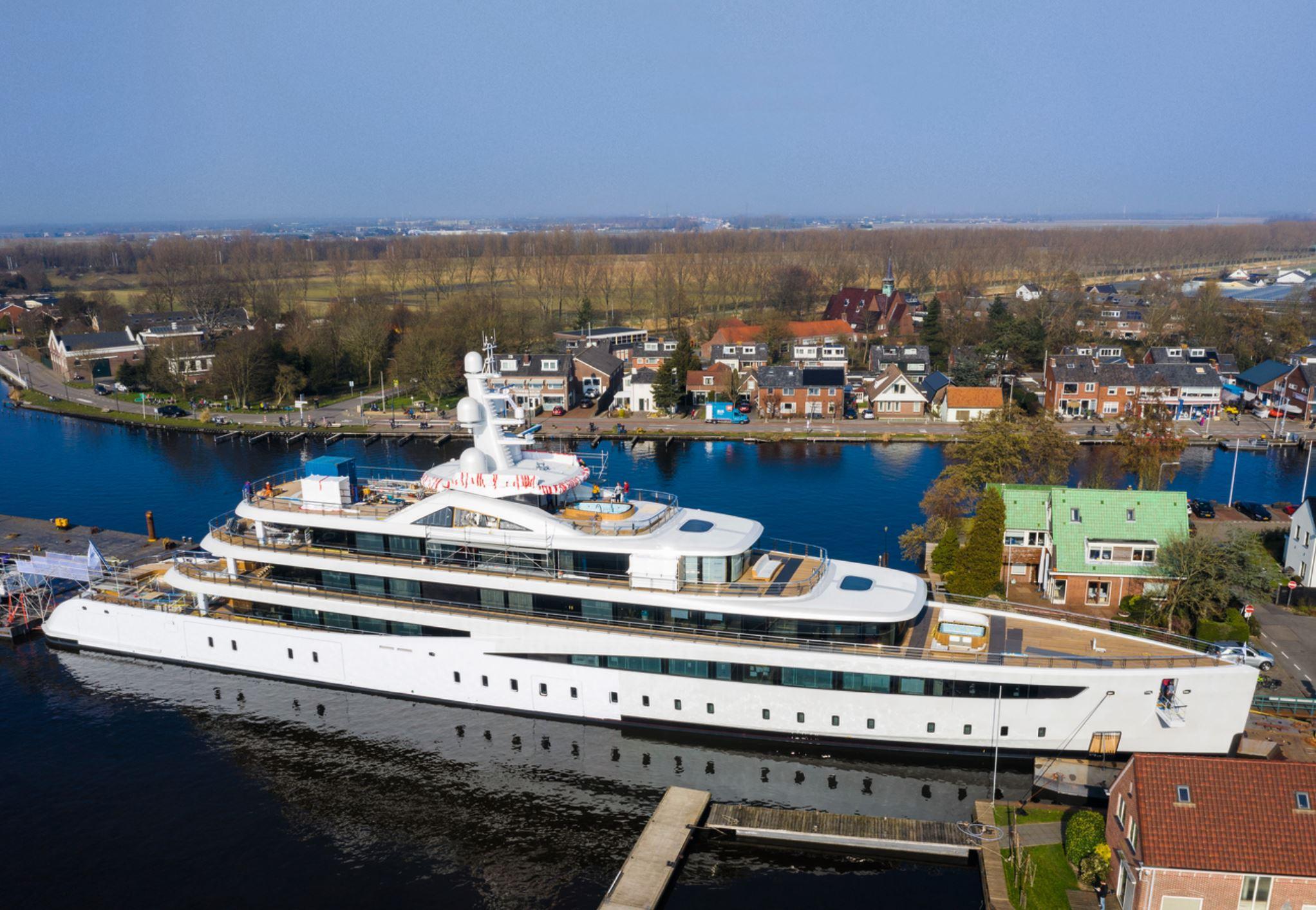 Project 817 (94 м) станет одной изсемьи яхт, которые голландская верфь Feadship передаст заказчикам вэтом году