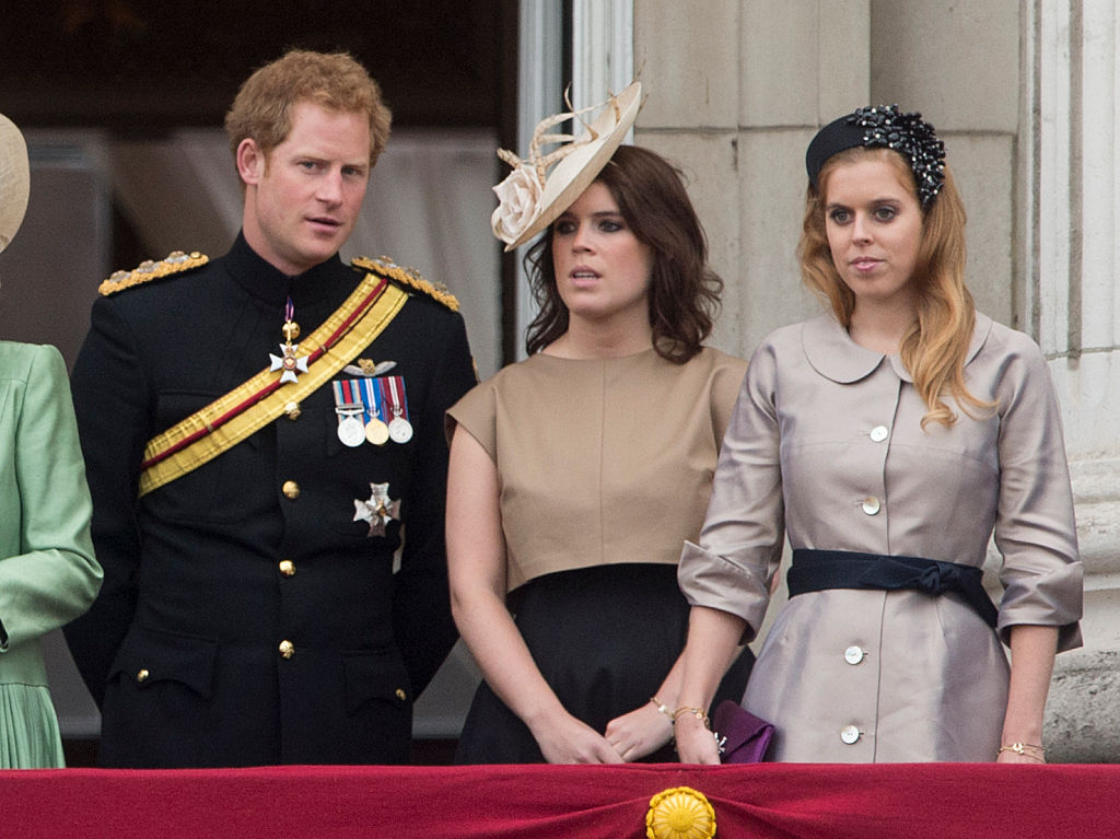 Принц Гарри сдвоюродными сестрами