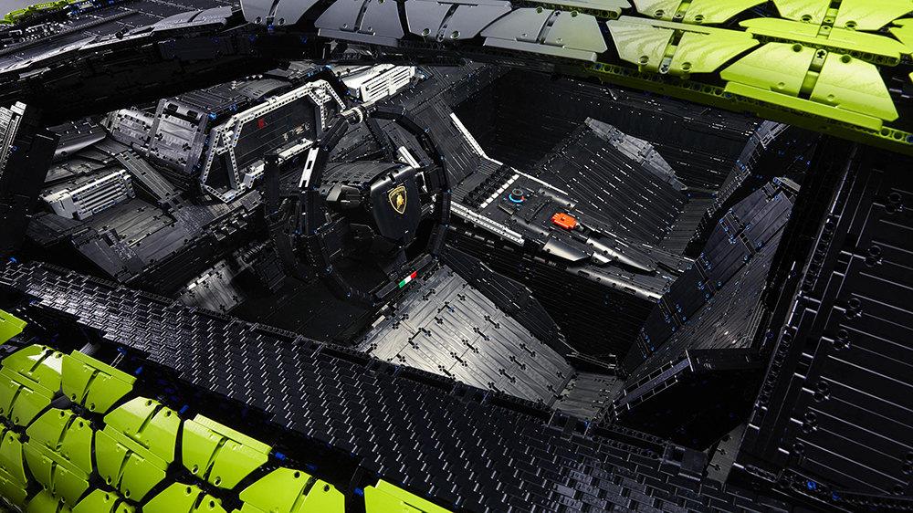 Интерьер Lamborghini Sian FKP 37 изLego
