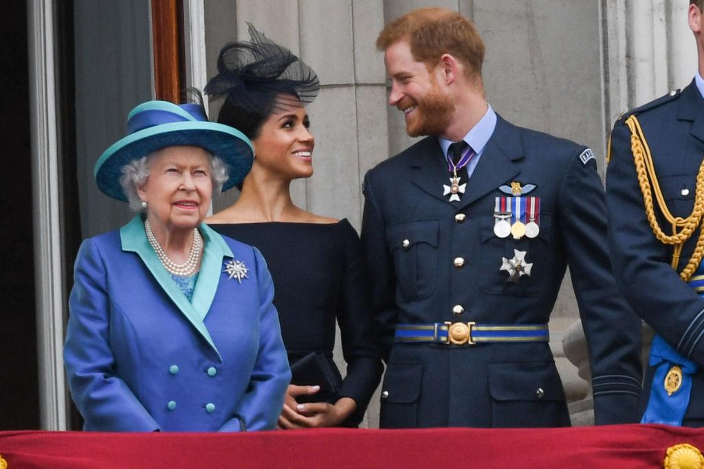 Елизавета II, Меган Маркл, принц Гарри