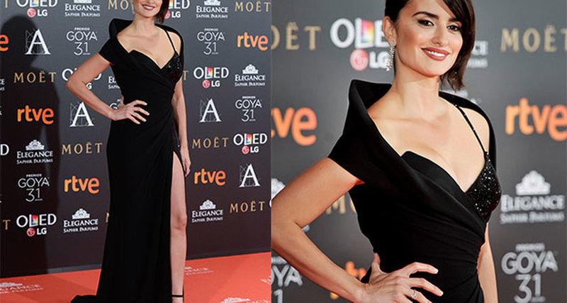 Пенелопа Крус вAtelier Versace иChopard нацеремонии вручения премии Goya Cinema Awards