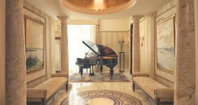 Накануне своего 140-летия Гранд Отель Европа (Belmond) открыл Президентское крыло слюкс-апартаментами,  выполненными встиле русского авангарда