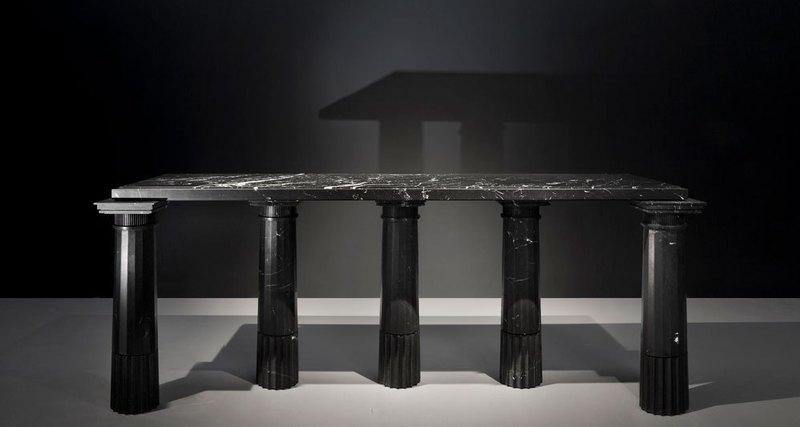 Карл Лагерфельд представил мебель собственного дизайна