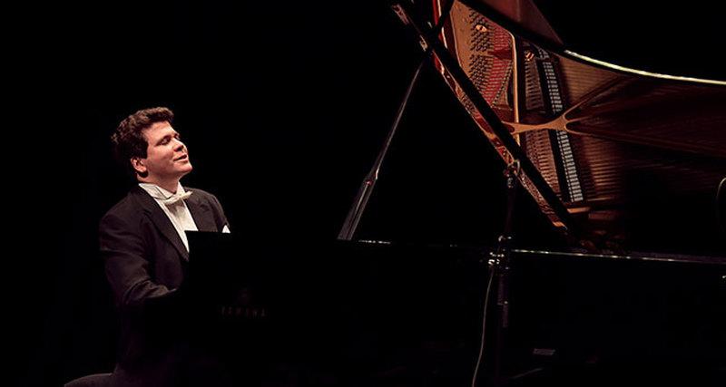 14 февраля ювелирная компания Mercury представляет выступление Дениса Мацуева