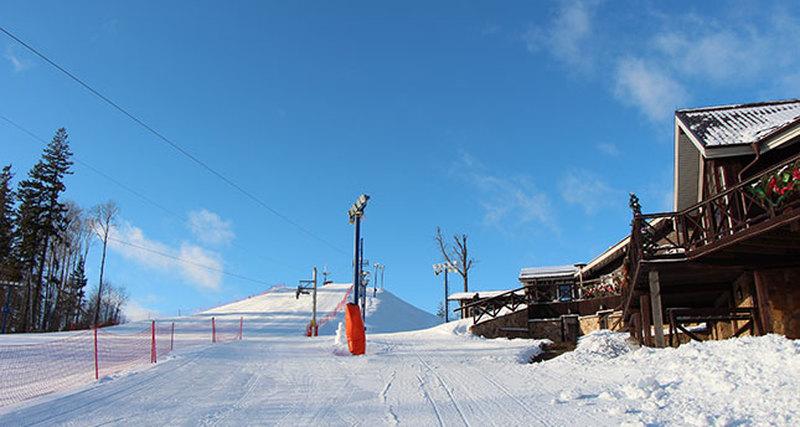 Robb Report Россия приглашает надень рождения горнолыжного клуба «Целеево»
