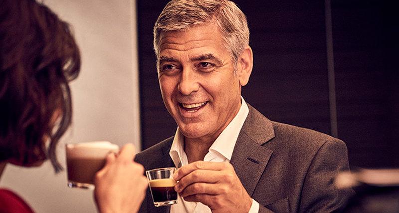 Противостояние Джорджа Клуни иИэна МакШейна вновом эпизоде звездной саги Nespresso