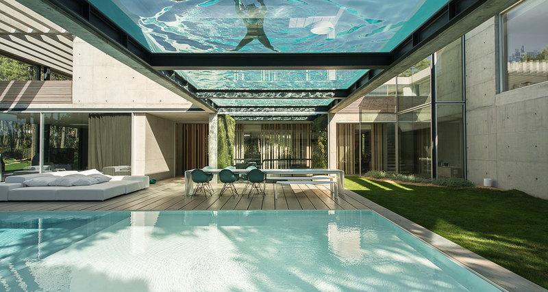 Миксуем бетон, стекло идерево - получаем дом вПортугалии