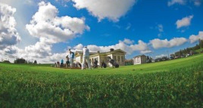 Спустя пять лет вРоссию возвращается этап профессионального European Golf Tour - M2M Russian Open, «Целеево Гольф иПоло Клуб», 56 км Дмитровского шоссе, МО, 25-28 июля