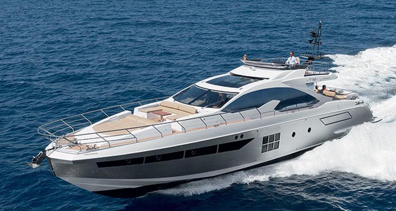 Azimut Yachts спустили наводу обновленную высокотехнологичную моторную лодку 77S