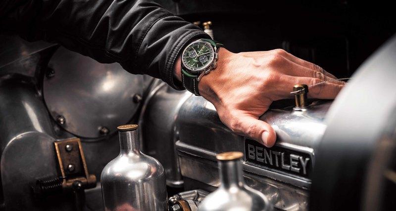 Новинки отчасового бренда Breitling