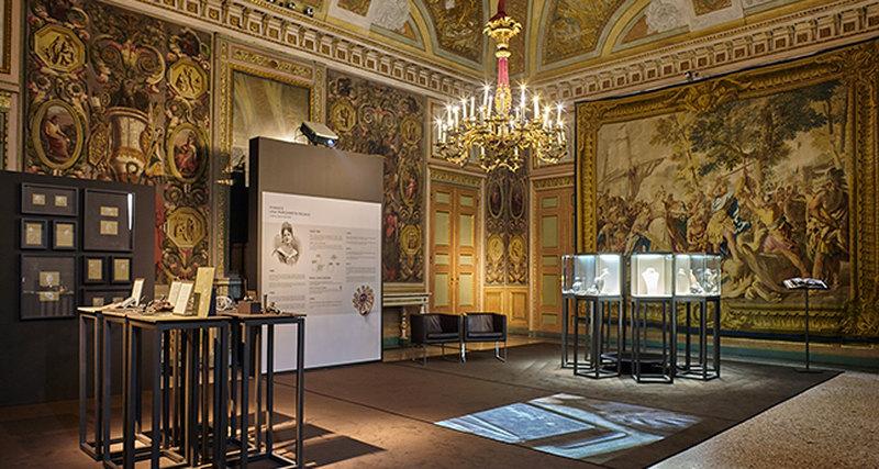 Последний шанс успеть: выставка Damiani во дворце Palazzo Reale