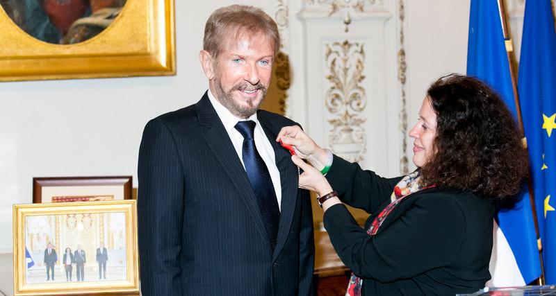 Прием впосольстве Франции вчесть Андрея Деллоса