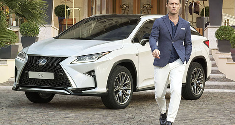 Lexus иДжуд Лоу попробуют себя вимпровизированном онлайн-перфомансе «On the Road»