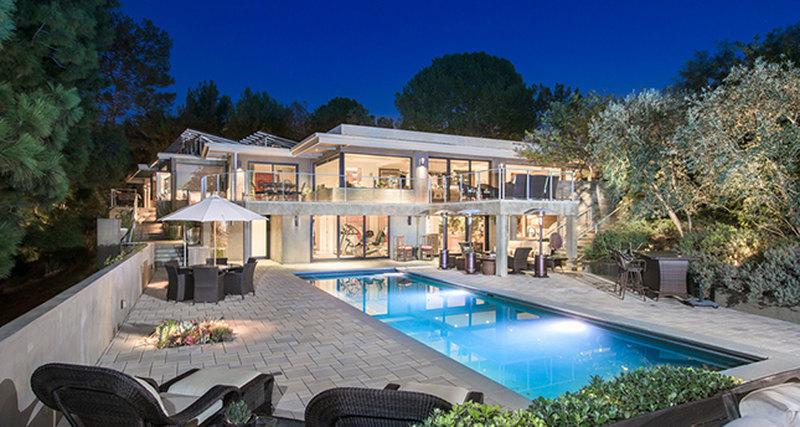 5 звездных домов, которые можно инужно покупать прямо сейчас