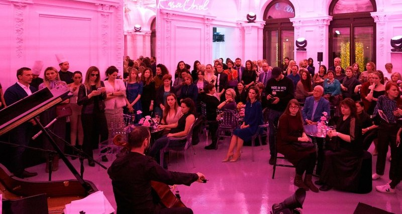 Atelier Tous Rosa Oriol: розовый сад иконцерт виртуозов