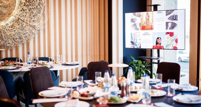 Harper's Bazaar провел завтрак дляколлег ипартнеров издания