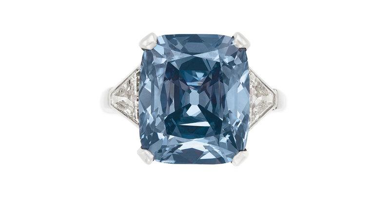 Кольцо сголубым бриллиантом Bvlgari продано за$18,3 млн
