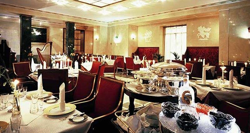 Воскресные бранчи вГранд Отеле Европа
