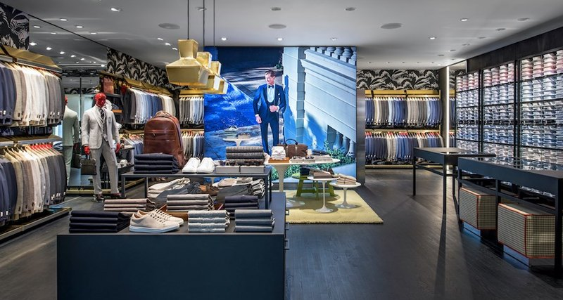 Открытие нового магазина Suitsupply