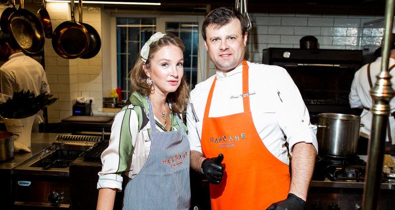 Алена Пенева провела авторский ужин врамках проекта Cosmopolitan Открытая кухня