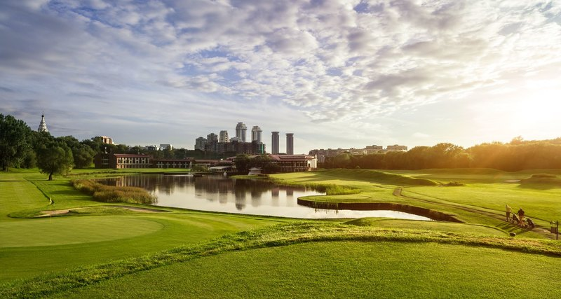 30 лет гольфу вРоссии