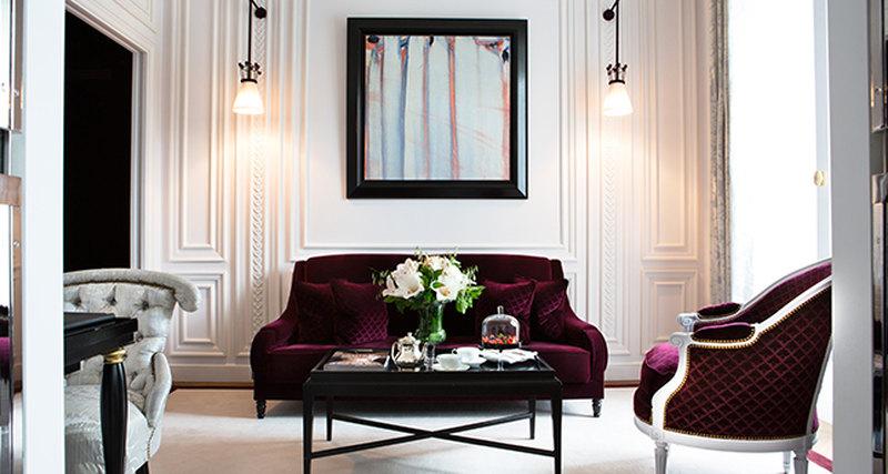 Личный батлер враспоряжении каждого гостя отеля La Réserve Paris