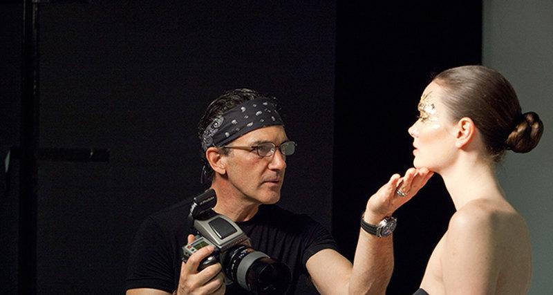 Антонио Бандерас представит свой фотопроект «Women in Gold» вМАММ